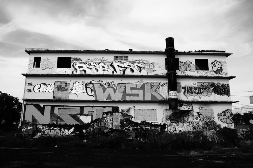 Edificio abandonado, 2012-2015.