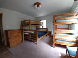 Kinnickinnik Bedroom with Queen Bed