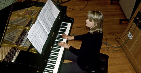 Anne Dudley recording piano new.jpg