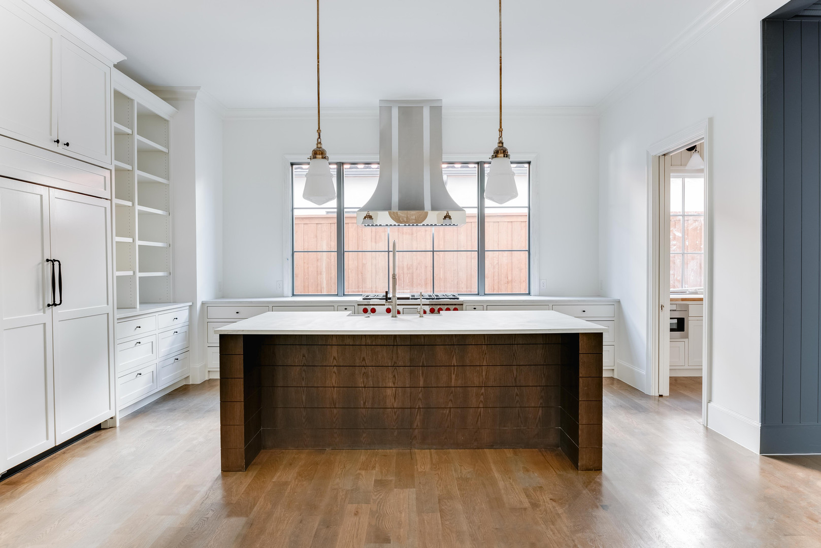 6410 Chevy Chase Ave-1.jpg