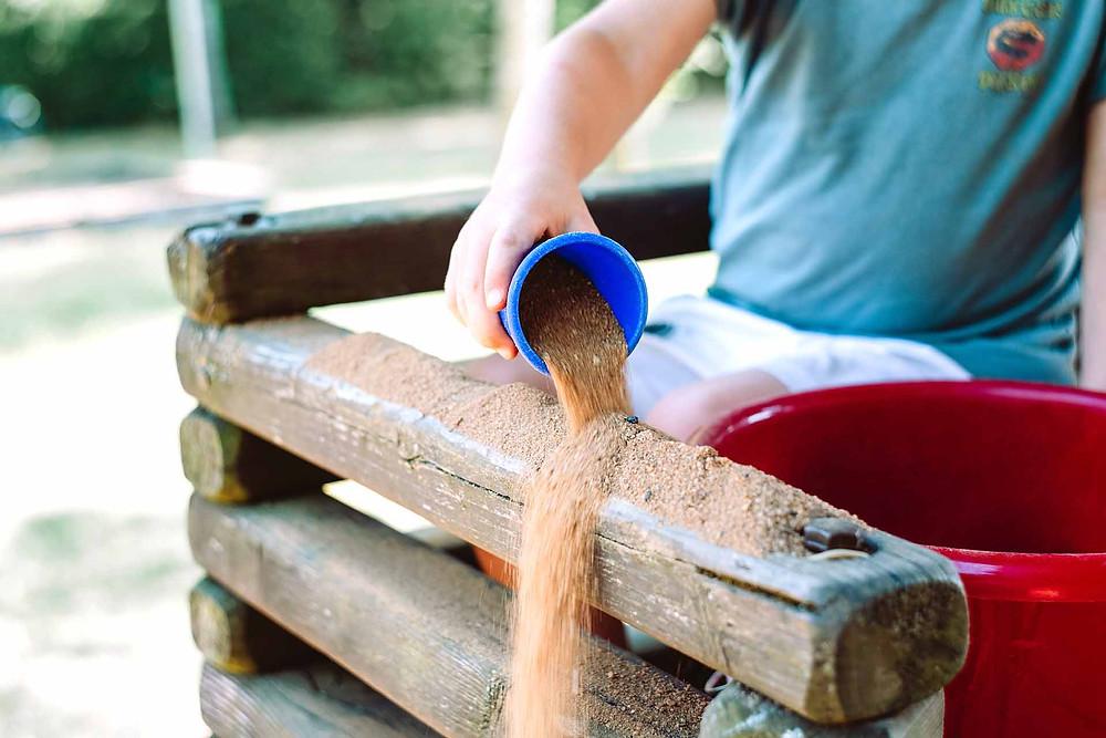 creatief buitenspelen in eigen tuin - buitenspelletjes in eigen tuin