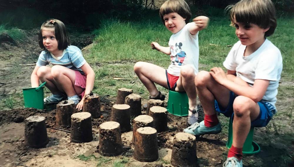 buitenspelen, vies worden, ontdekken, creatief buitenspelen, spelen in de natuur, buiten spelen in de bossen