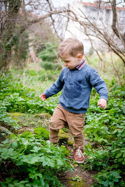 insecten / kriebelbeestjes zoeken in de natuur of tuin met kinderen