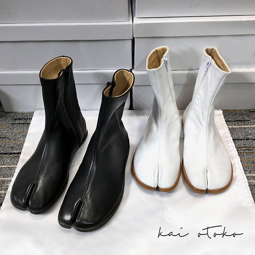 SIDE ZIPPED SPLIT-TOE LEATHER MID-TOO BOOTS