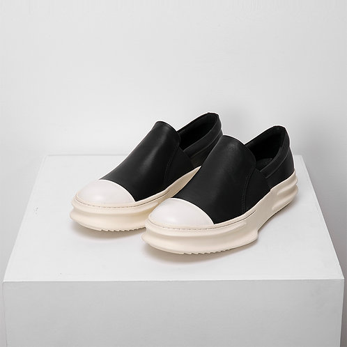 CURVED SOLE LACELESS LOW SNEAKERS