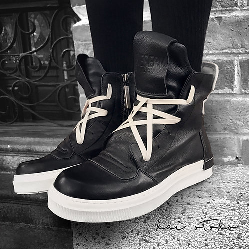 GEOMETRIC LACING LEATHER HIGH-TOP SNEAKERS