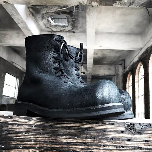 BALL TOE CAP LACE-UP DISTRESSED LEATHER BOOTS