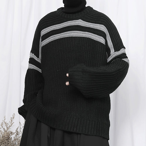 DOUBLE GREY LINE SEAMING SWEATERS
