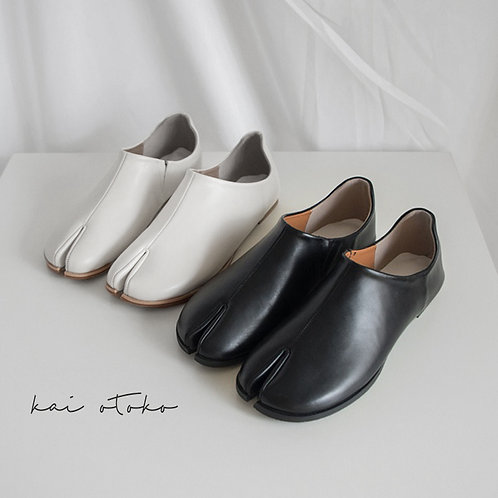 LACELESS LEATHER STITCHING LOW TABI SHOES