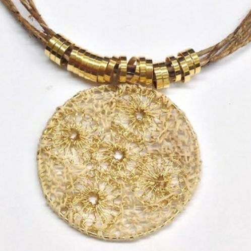 Gold Wire Circle Banana Straw Necklace