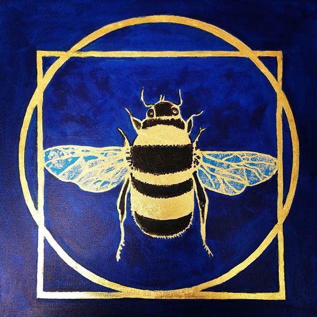_Vitruvian Bee - Blue Wing_ 23 Carat Gol