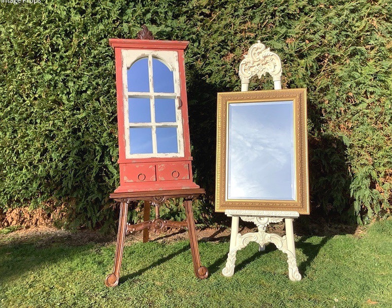 Easels and Mirrors Hire for Weddings and Events