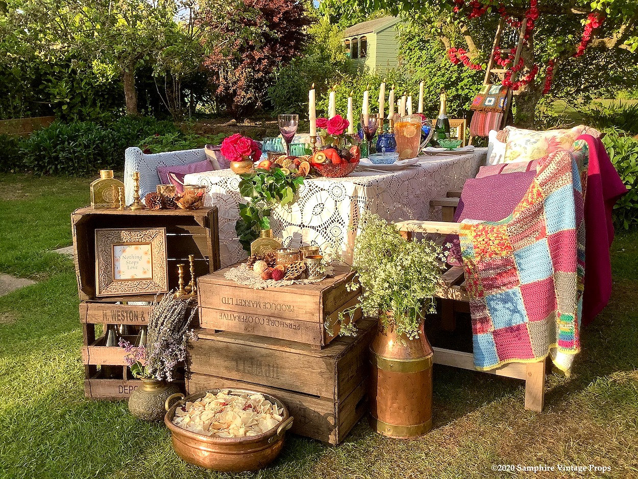 Relaxed Rustic Boho Style Outdoor Dining