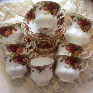 Royal Albert Country Rose China tea Set Consisting of Six Trios