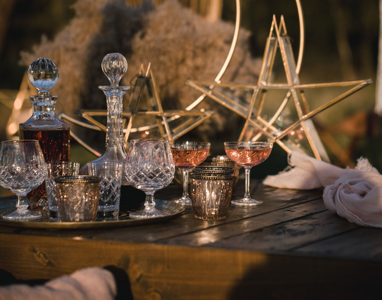 Vintage-Glassware-and-Crystal-Decanter-Hire-Weddings-and-Events