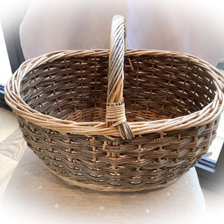 Rustic Wicker Basket Event Decor and Prop Hire