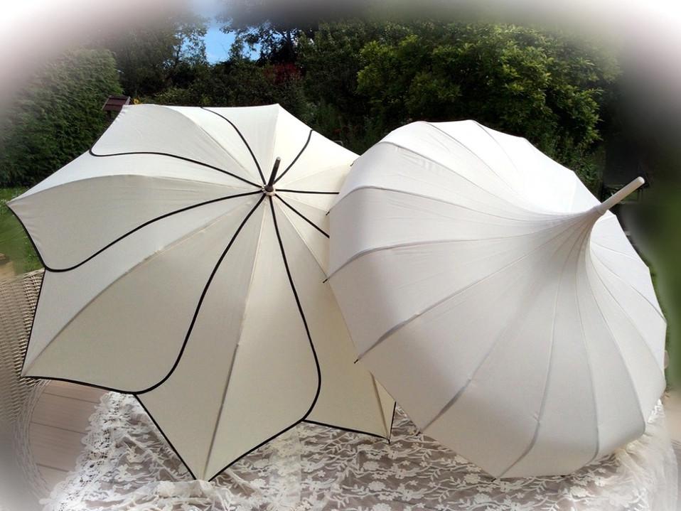 Ivory Pagoda Wedding Umbrellas