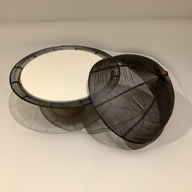 Black Wire Dome Cake Stand With Lid and Ceramic Plate