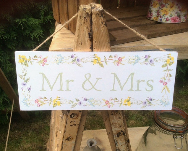 Mr and Mrs Hanging Wedding Sign