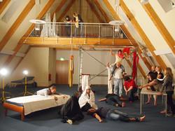 Theatergruppe-Staqe-stellt-Szenen-für-die-Malerin-Sandra-del-Pilar_web