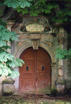 Portal Kloster noch mit Ka~