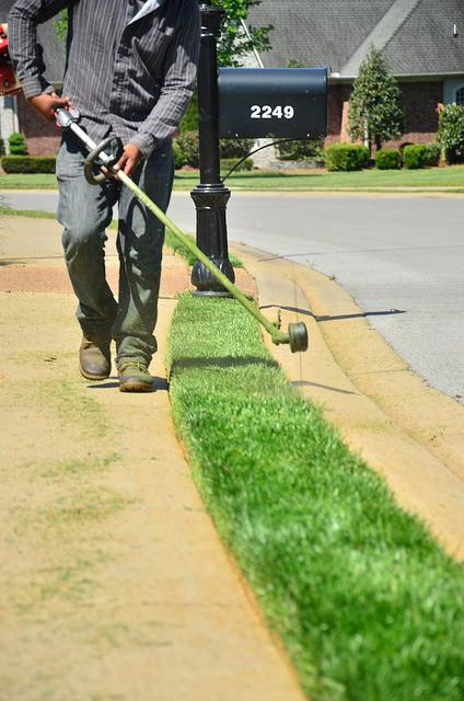 Lawn-Maintenance-Image-6-1.jpg