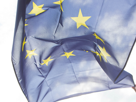 Elections européennes: 73 listes transnationales pour des euro-circonscriptions?