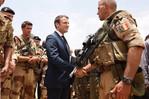 Le président Macron parle d'établir une « vraie armée européenne »
