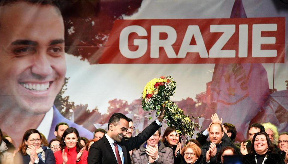 Le leader du M5S, Luigi Di Maio, mardi à Pomigliano. Photo Alberto Pizzoli. AFP