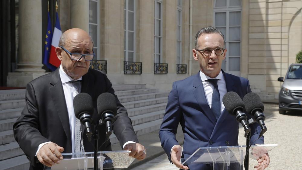 Jean-Yves Le Drian, Außenminister von Frankreich, und Bundesaußenminister Heiko Maas nach der Kabinettssitzung in Paris. (Foto: dpa)