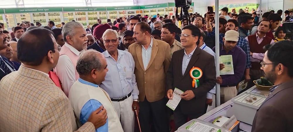 Hon'ble Agriculture Minister of India Shri Narendra Singh Tomar appreciating Harvesto Soil Testing Kit at Pusa Krishi Mela 2020