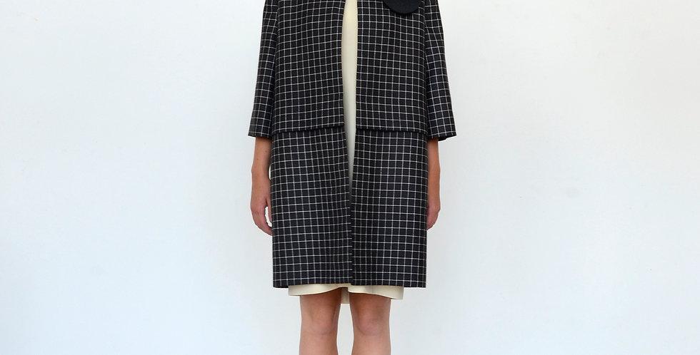 Mrs February - coat