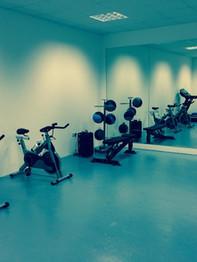 2014-04-21 gym mirrors.jpg