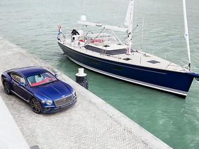 Ein Bentley auf dem Wasser