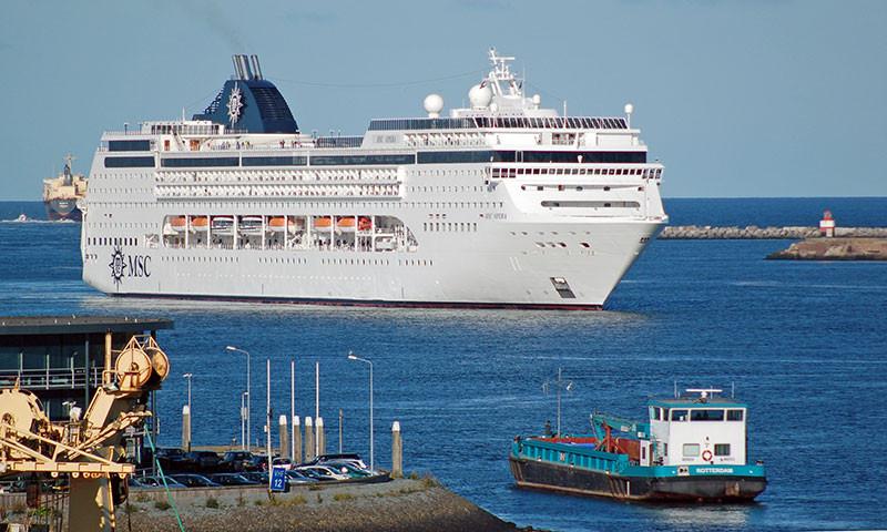 Kreuzfahrtschiff, themenverwandtes Bild.
