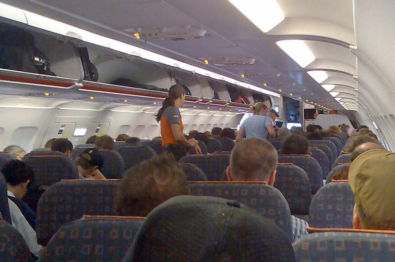 Symbolbild: Kein Sinneswandel in Sicht, voll besetztes Flugzeug.