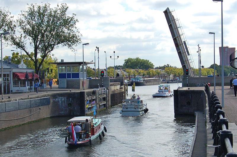 Viele Brücken werden aus einer Zentrale bedient.