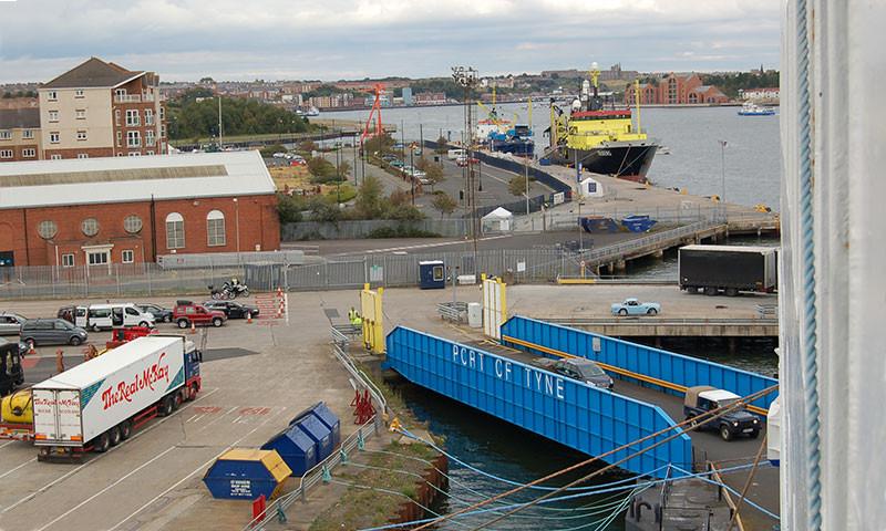 Die Ro/Ro Verbindungen wie z.B. IJmuiden – Newcastle sollen mehr genutzt werden