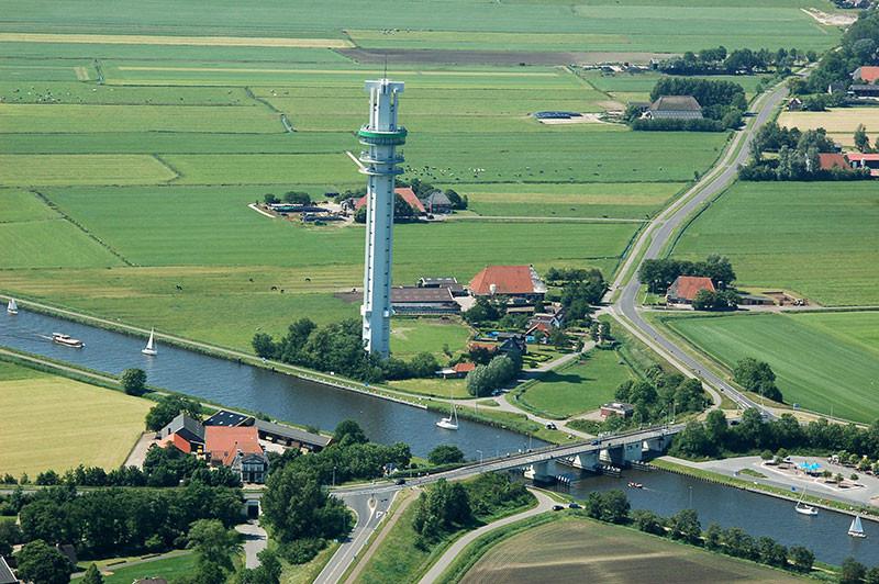 Nur ein Beispiel; Fahrzeuge mit mehr als 10 Tonen Gewicht pro Achse dürfen die Brücke bei Spanneburg nicht mehr passieren.