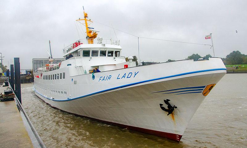 """Die MS Fair Lady unterstützt die AG """"EMS""""-Flotte."""