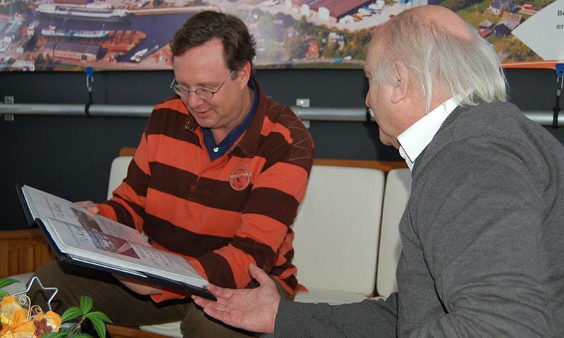 Jack Grondel (links im Bild) im Gespräch mit Hans J. Betz.