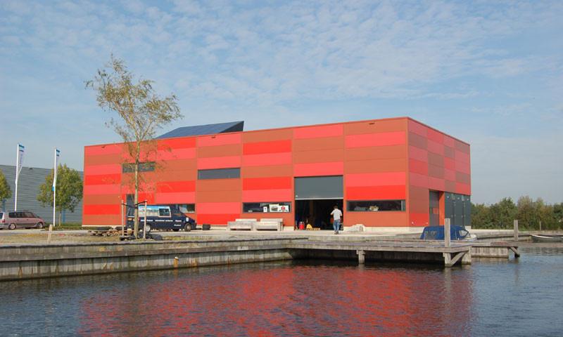 Das Gebäude von de Stille Boot in Heeg.