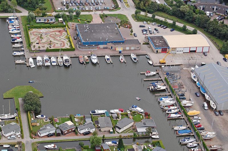 Das Wassersportzentrum De Brekken aus der Vogelperspektieve.