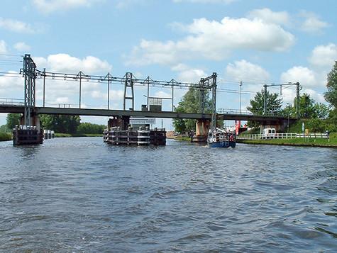 Brücke 3 Wochen dicht