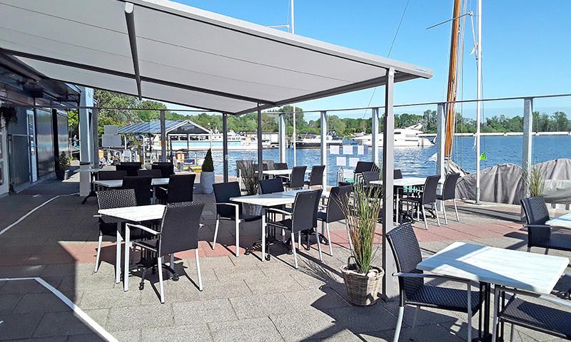 Auch auf der Terrasse von Restaurant Porunus in Terherne dürfen bald wieder Gäste bewirtet werden.