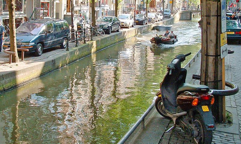Amsterdam ist bezüglich Parkgebühren an der Spitze Europas.