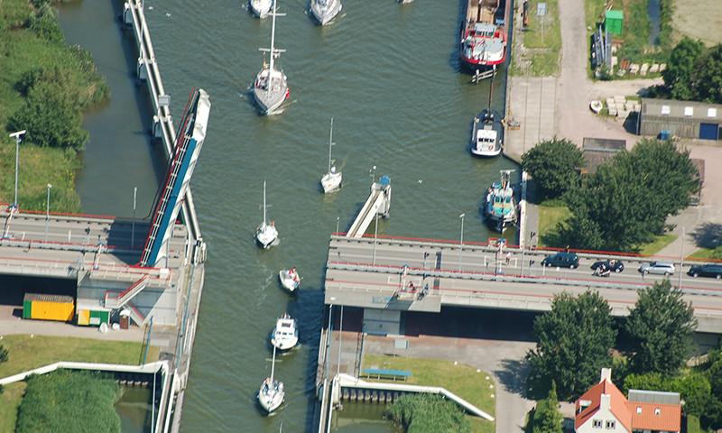 Viel Freizeitboote passieren jährlich die großen Schleusen.