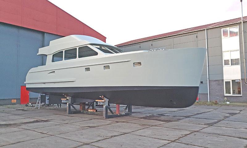 Das Modell Daytona Beach mit Fly,  lieferbar in den Längen  9 bis 15 Meter.