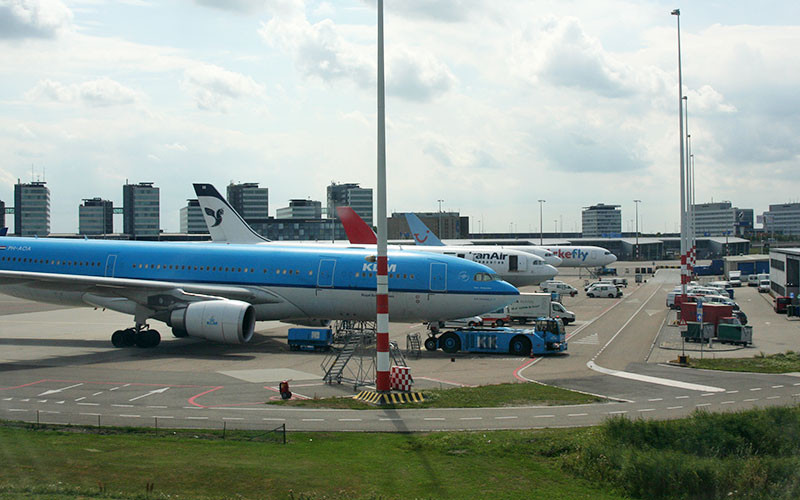 Großer Run auf Amsterdamer Flufhafen Schiphol.
