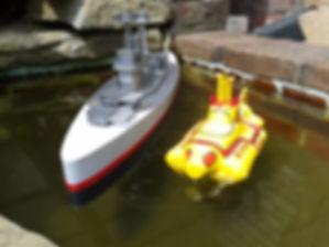 B2 and yellow sub 005.jpg